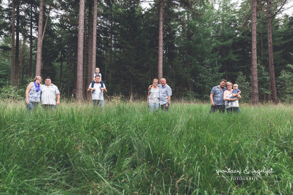 Gezellig samen op pad en mooie familiefoto's schieten. Weg met de staatsportretten! :)